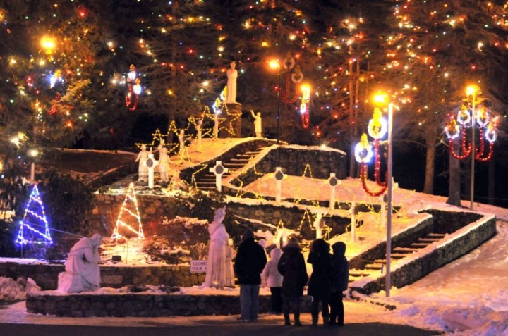 Latte Attleboro Christmas Lights