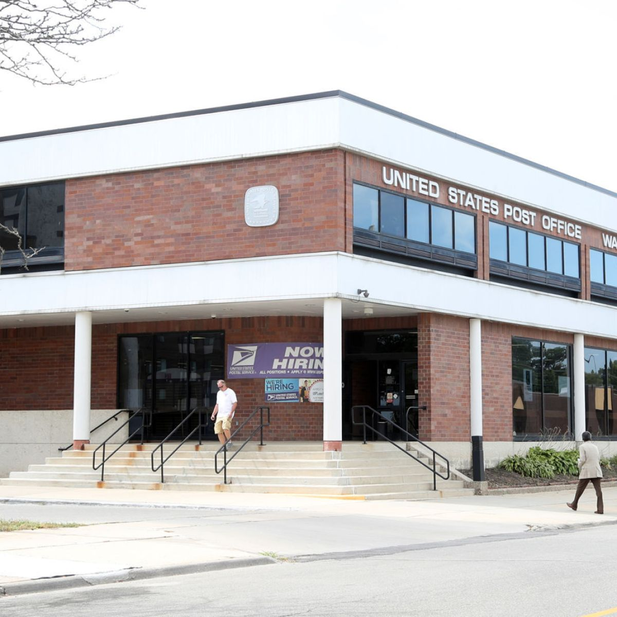 Equipment Removal From Waterloo Post Office Sparks Saturday Protest Local News Wcfcourier Com