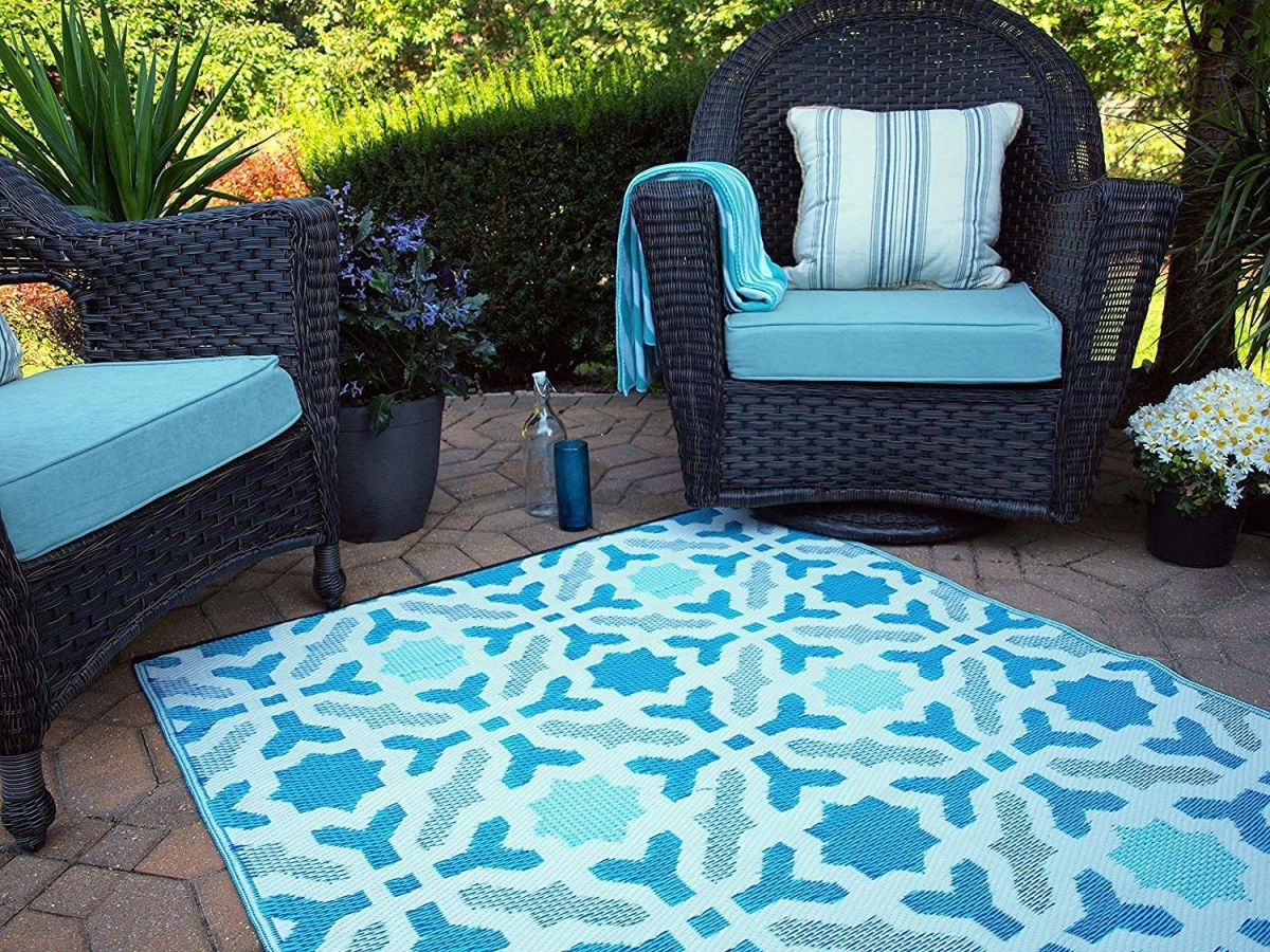 outdoor rugs will spice up your patio