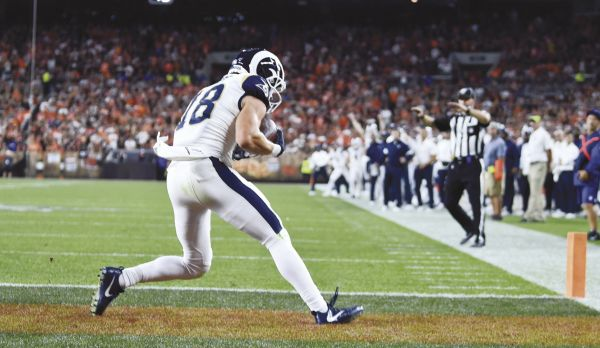 Goff throws 2 TDs, Rams hold off Browns