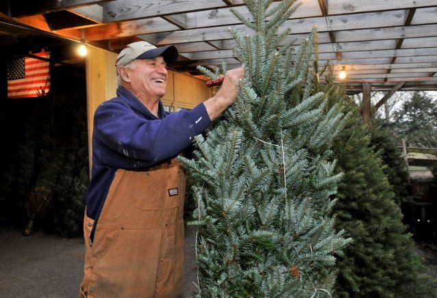 Dean Lemon marks 50 years of spreading Christmas cheer
