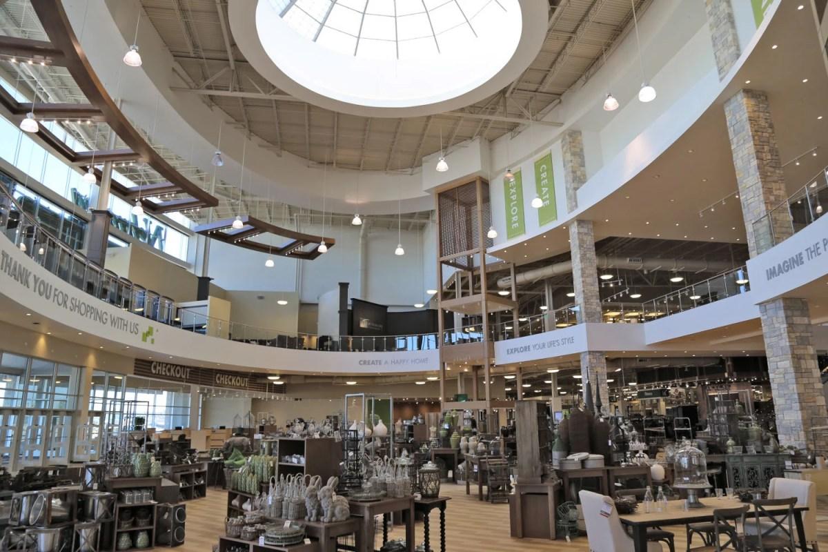 nebraska furniture mart working to avoid kansas store problems