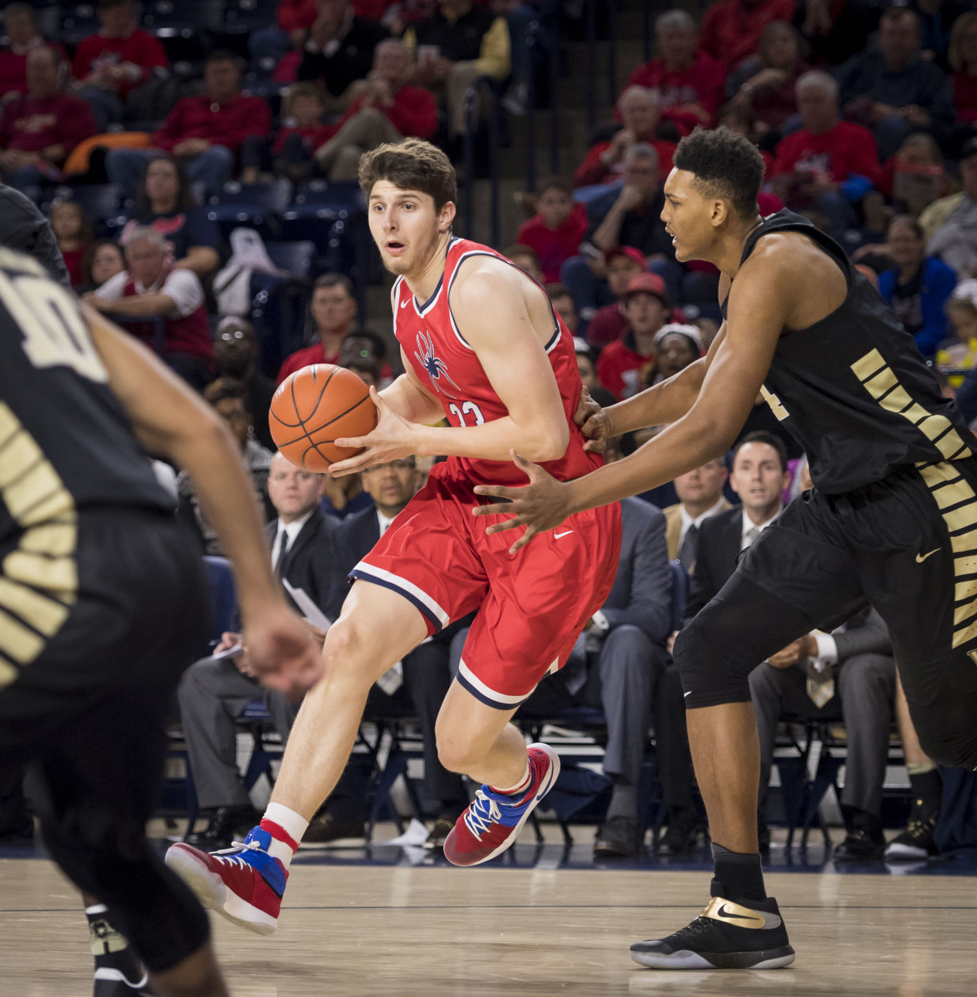 Grant Golden will have big shoes to fill in Richmond as a playmaking big man