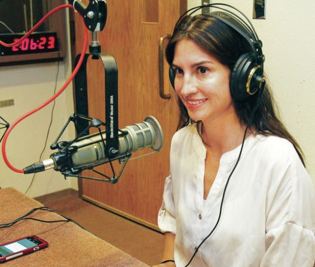 Sunday Spotlight Local Doctor Takes To The Airwaves To Break Health Care Barriers Dr Lily Love