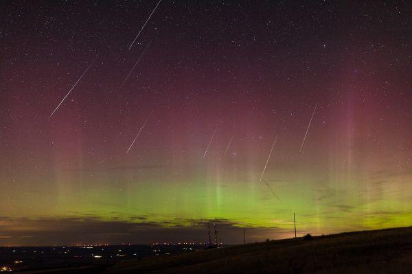 Photos / Look Up! Meteor showers may light up Halloween sky