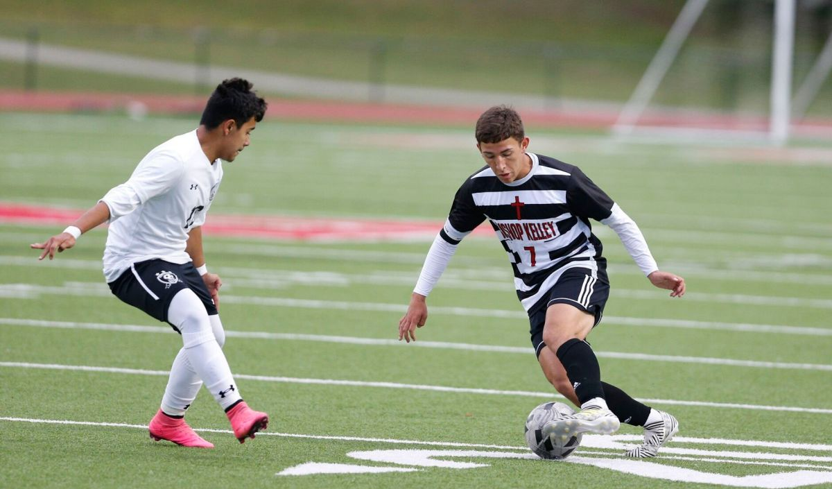 Bishop Kelley Shuts Down Santa Fe South In 5a Boys Soccer Semifinals Soccer Tulsaworld Com