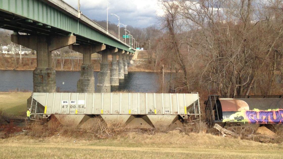 Train Derails In Northampton County Lehigh Valley Regional News Wfmz Com