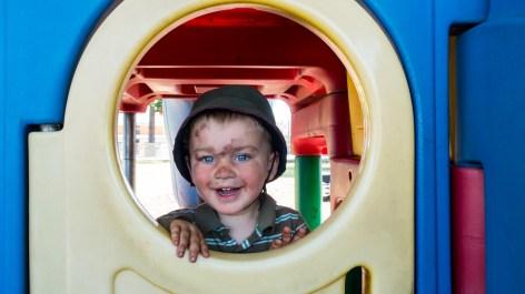 Léo s'amuse bien à Alexandra - Otago Central Rail Trail