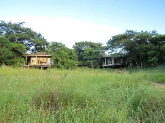 Khangela Lodge - 2 of the 3 bedrooms.