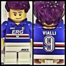 Il dettaglio dell'omino Lego dedicato a Luca Vialli.