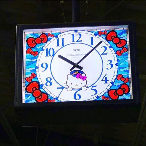 時計は可愛いんだけど...この時間にこの駅に居たくないな笑なお、会社の最寄り駅のもよう....(・ω・`)