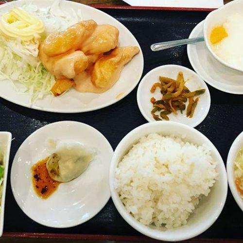 今日のランチは中華でした。久々のお外ランチ!美味しく頂いたのですけど、ちょっと胃に重たかったです笑