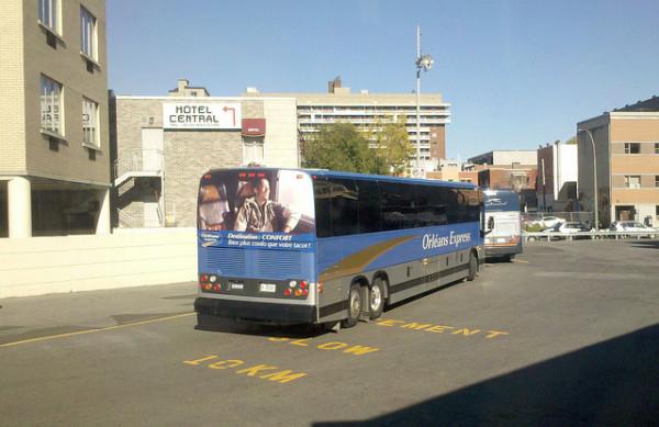 モントリオールとケベックを結ぶバス、ORLÉANS EXPRESS (C) Station centrale d'autobus, Montréal / abdallahh