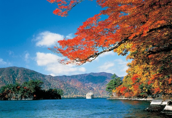 Lake Towada (autumn season)