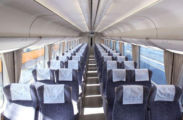 Regular seat car interior of 21000 series, Urban Liner. Most of Kintetsu Railway Limited Express has like this interior. (C) By 2013.1.28 (Own work)