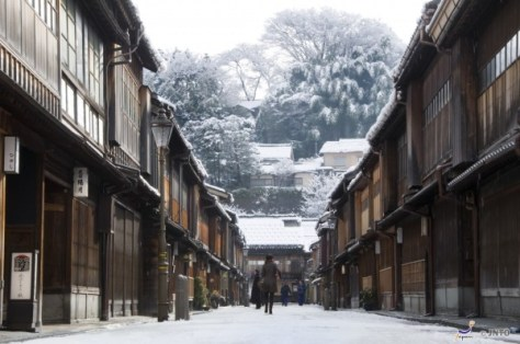 Higashichayagai area is one of most popular spots in Kanazawa. (C) Kanazawa City / JNTO