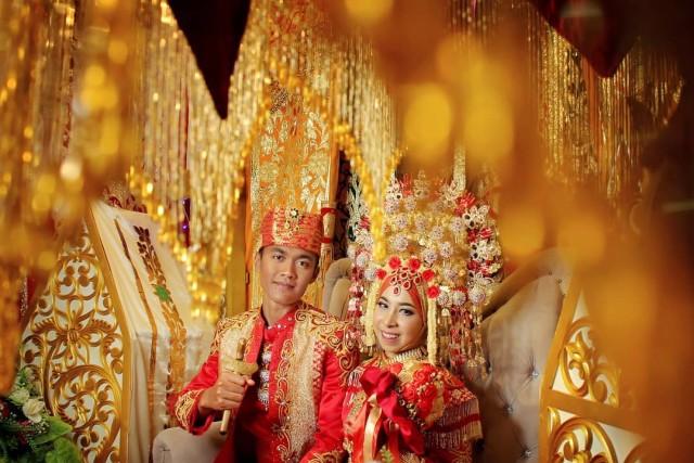 Beberapa Suku di Indonesia yang Dianggap Pantang untuk Saling Menikah (3)