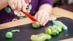 7 Manfaat Bermain Lilin Mainan Untuk Anak Kumparan Com