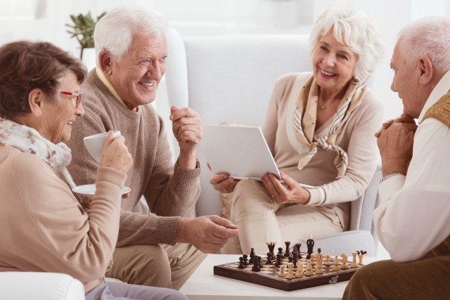 Mengenal Karakter 5 Generasi: Baby Boomers, X, Y, Z dan Alpha - kumparan.com