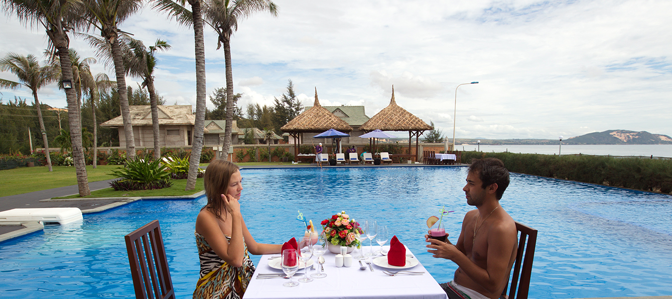 Blue-Bay-Mui-Ne-Resort-Spa_Swimming-pool