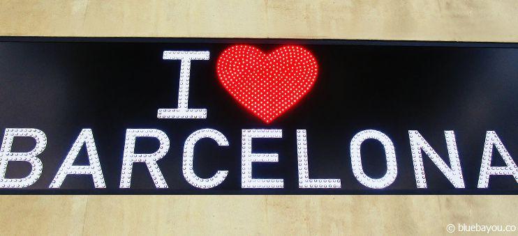 """""""I love Barcelona""""-Schild eines Souvenirshops in Barcelona."""