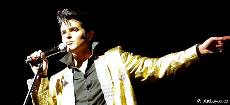 Dean Z in Blackpool: Dieses goldene Jacket kostet alleine 2.000 US-Dollar.