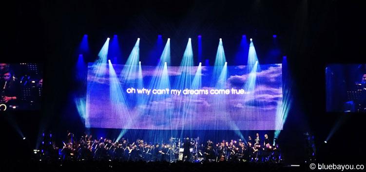 Zusammen mit einem großen Orchester in Europa auftreten - dieser Wunsch geht nun endlich für Elvis in Erfüllung.