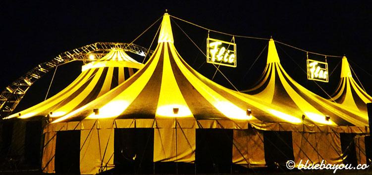 Best of Flic Flac Tour 2017: So erhellt das Zelt bei Nacht den Frankfurter Standort.