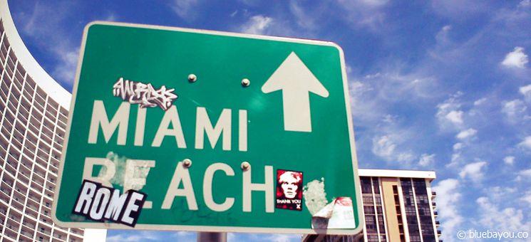 Straßenschild in Miami nach Miami Beach.