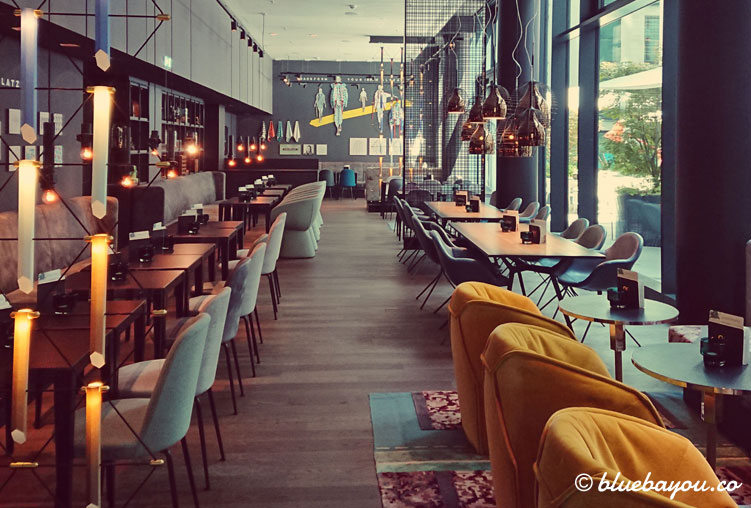 Die One Lounge des Motel One Berlin-Alexanderplatz.