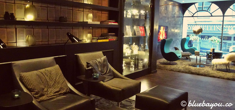 Die One Lounge des Motel One Newcastle in Newcastle Upon Tyne in England.