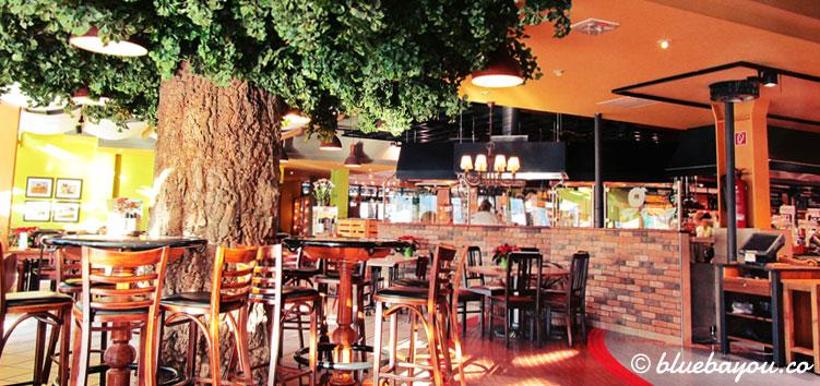 Ein Teil des Marché-Restaurants in der Raststätte Hirschberg an der A9 bei Hof.