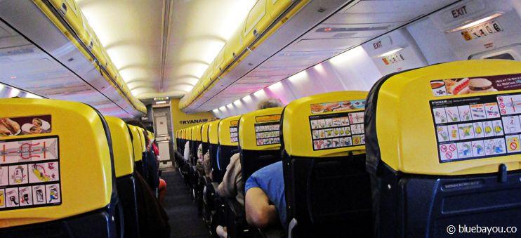 Ryanair von innen: Billigflieger sind vor allem etwas fürs preisbewusste Reisen.