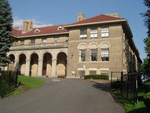 your kids can go to Ridgewood Avenue School after Glen Ridge movers move you here