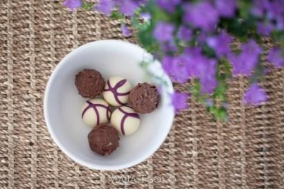 Hubby brought me these Hotel Chocolat pralines last night - yum!