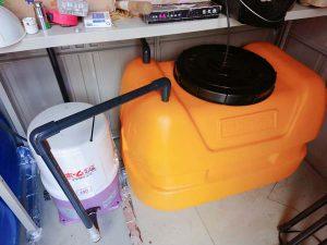 水道水をためるタンク