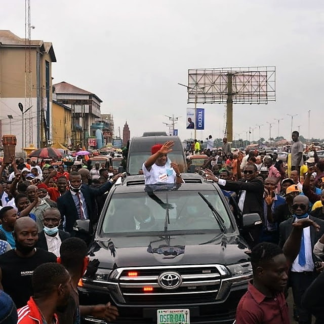 https://bluebloodz.com/index.php/2020/07/29/abians-jubilate-as-former-governor-''orji-uzor-kalu-''-visits-state/‎(opens in a new tab)
