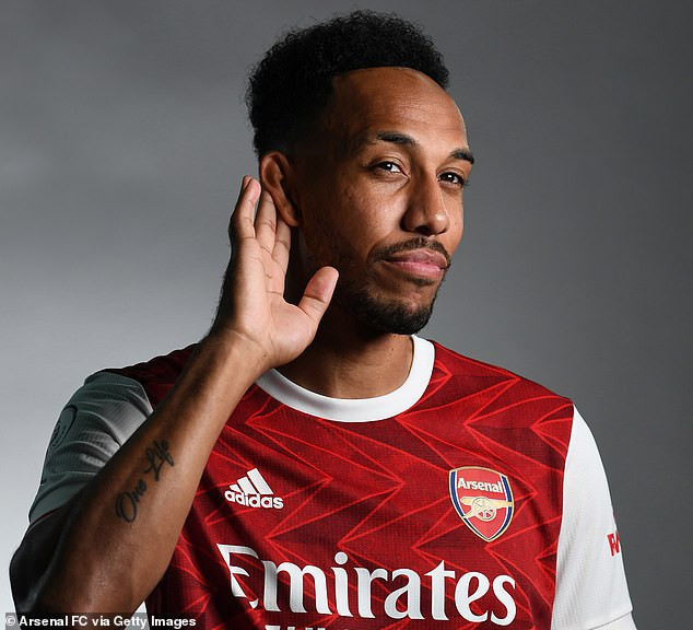 Pierre-Emerick-Aubameyang-SIGNS-NEW-3-year-CONTRACT-worth-£350000-per-week-TO-STAY-AT-Arsenal-