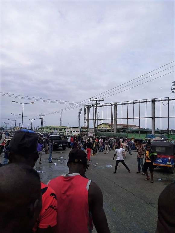 PHOTOS: TENSION IN Yenogoa AS TASK FORCE PERSONNEL Allegedly KILLS TRICYCLE OPERATOR.