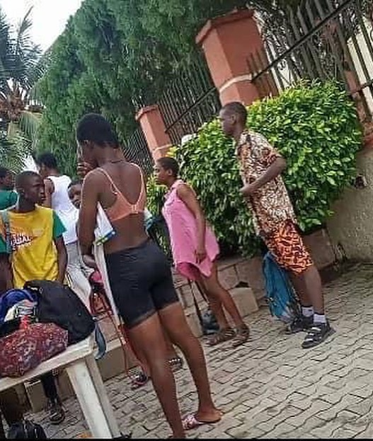 Calabar : Secondary School Students Caught Swimming In Hotel During School Hour bluebloodz.com has learned. According to Castro Ezama, it has been a trend.