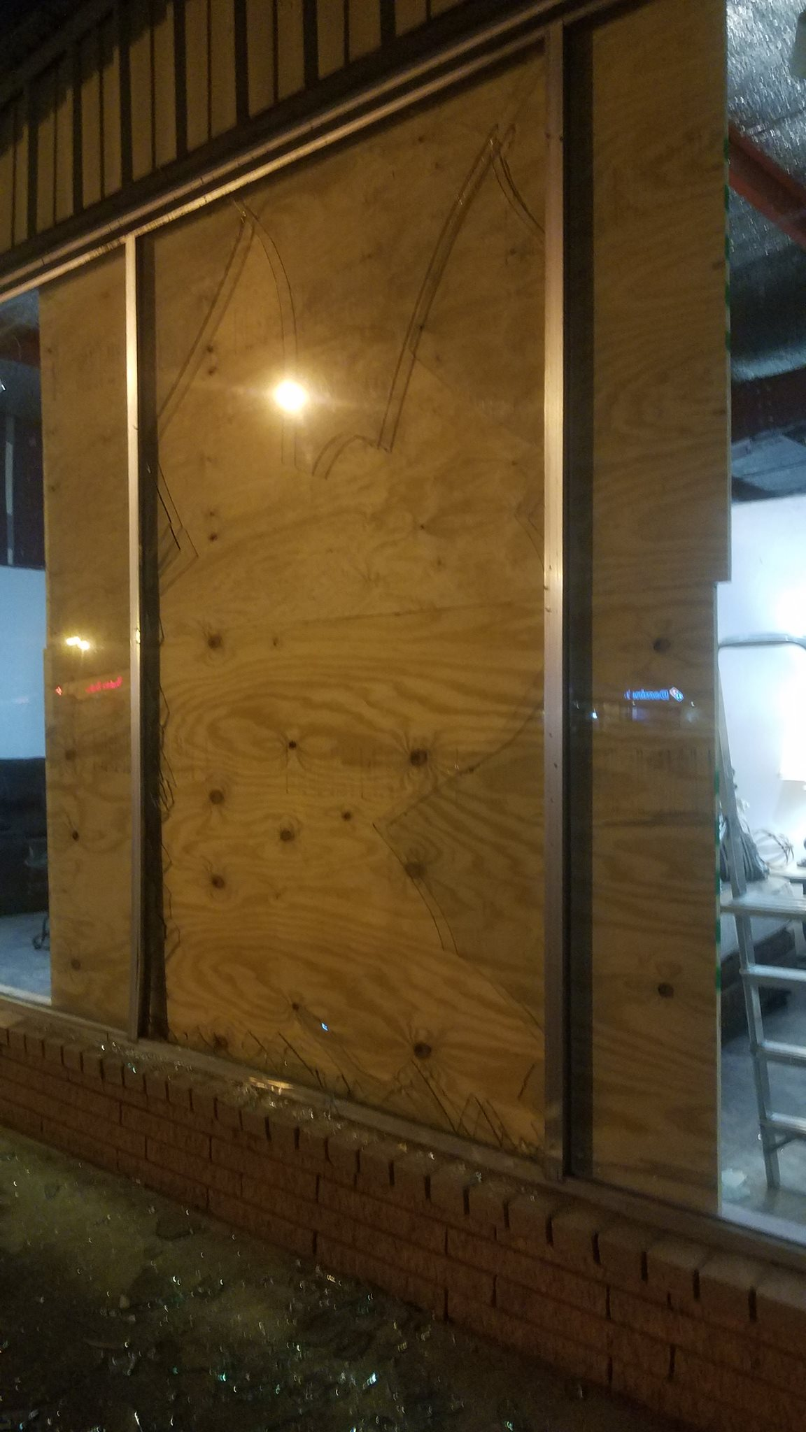 Lpd Liberty Furniture Store Damaged By Errant Driver Bluebonnet News