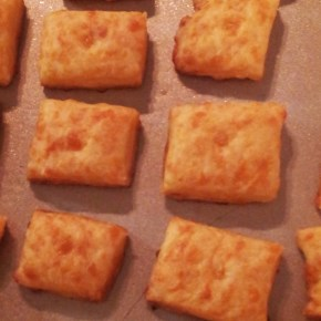 Handcut Cheese Crackers @ Home