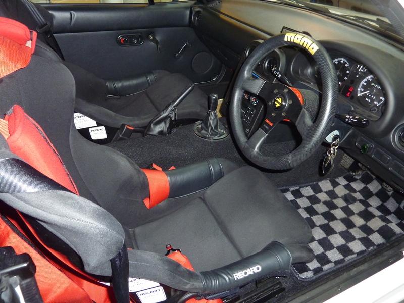 20120802-m2-1028-roadster-02
