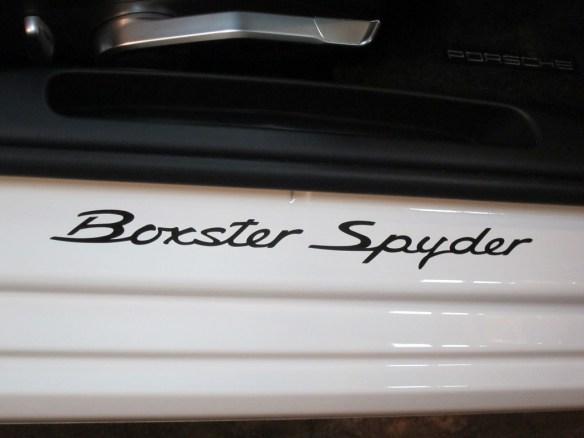 20160308-porsche-boxster-spyder-09