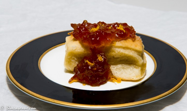 parker-house-rolls-with-marmalade