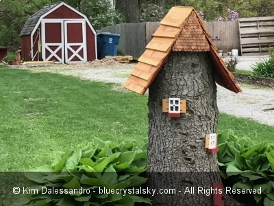 Tall tree stump decorating ideas blue crystal sky for Tall tree stump ideas