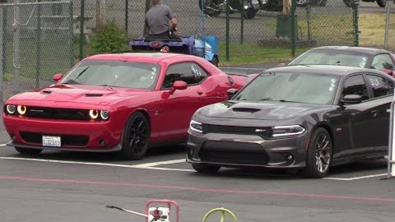 Charger Vs Challenger >> Charger Srt Vs Challenger Scat Pack Drag Race Near 99744