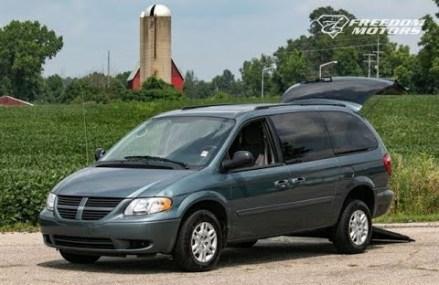 2005 Dodge Grand Caravan SE Freedom Motors Kneelvan 7 passenger Bucket Seats 3rd Row at Luverne 36049 AL