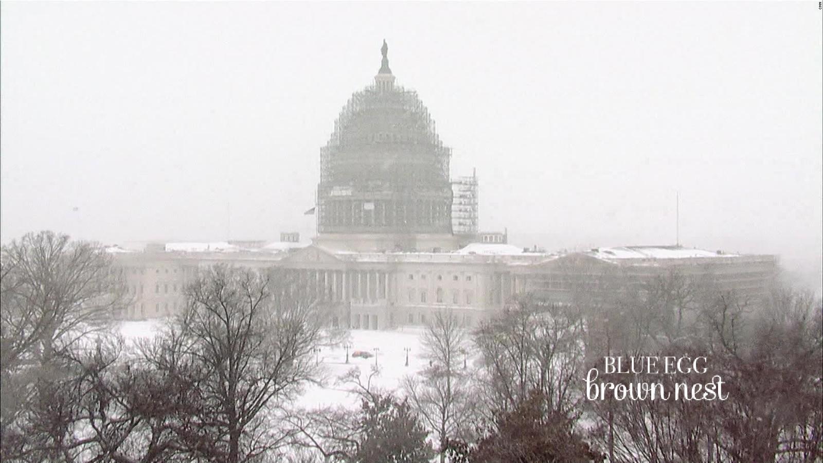 160123180745-blizzard-2016-snowstorm-time-lapse-washington-dc-snow-weather-ar-origwx-00005101-full-169