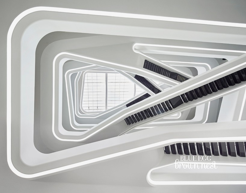 zaha-hadid-dominion-office-building-moscow-russia-designboom-06